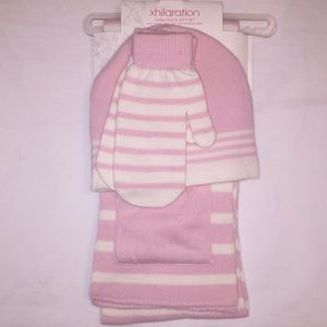 NWT Xhilaration 3pcs Gift Set, Scarf/Hat/Gloves